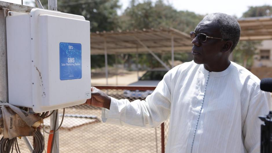 Senegal cuts its energy costs
